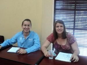 Tesistas Antonio Rodríguez y Daniela Noreña